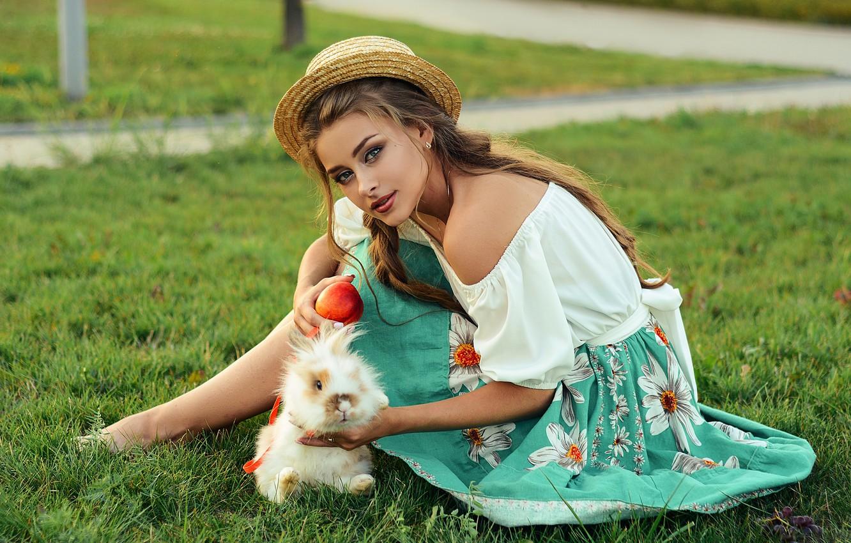 Photo wallpaper grass, look, girl, pose, rabbit, hat, shoulder, Alina Stanislavsky, Alina Bozhko