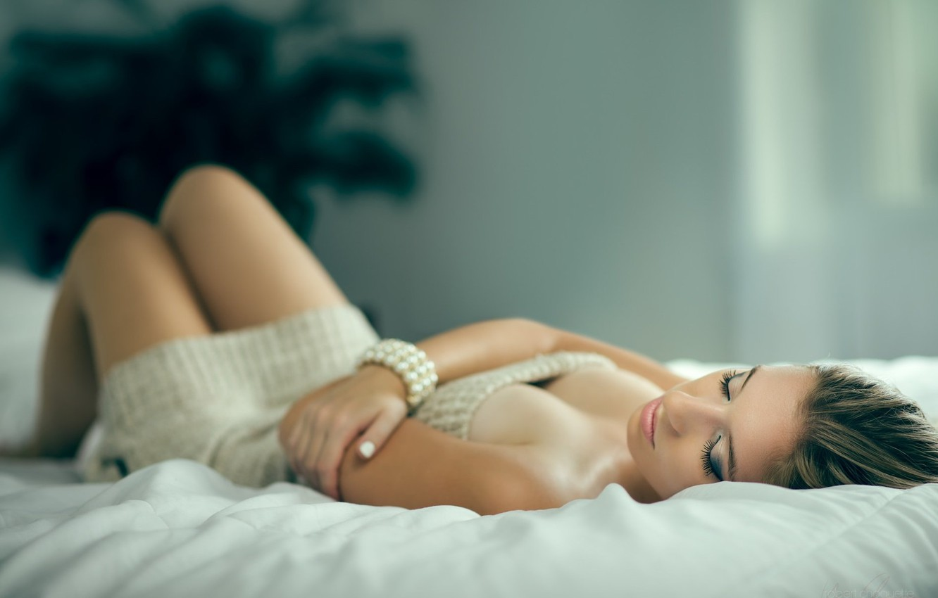 Photo wallpaper girl, pose, photo, room, bed, lies, beautiful, Sabrina, Robert Choquette