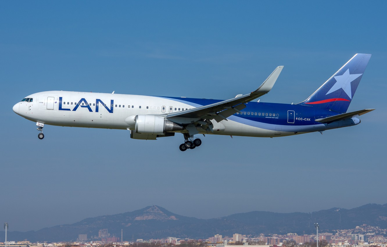 Photo wallpaper Boeing, 767-300W, LATAM Airlines Chile