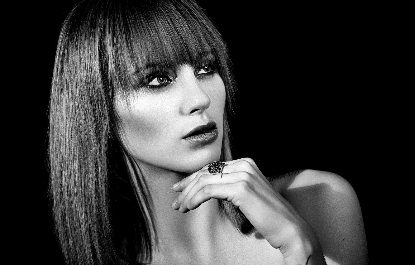 Photo wallpaper face, pose, model, hand, portrait, makeup, hairstyle, black and white, beauty, black background, Johnny Hendrikx