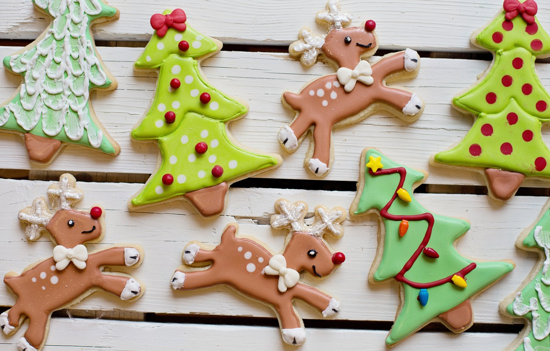 Photo wallpaper holiday, Board, cookies, Christmas, New year, deer, figures, a lot, Christmas decorations, Christmas trees, новогодние …