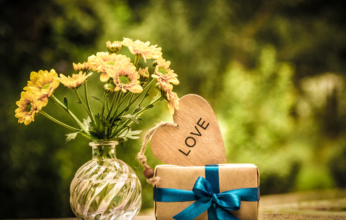Photo wallpaper nature, table, gift, heart, bouquet, yellow, vase