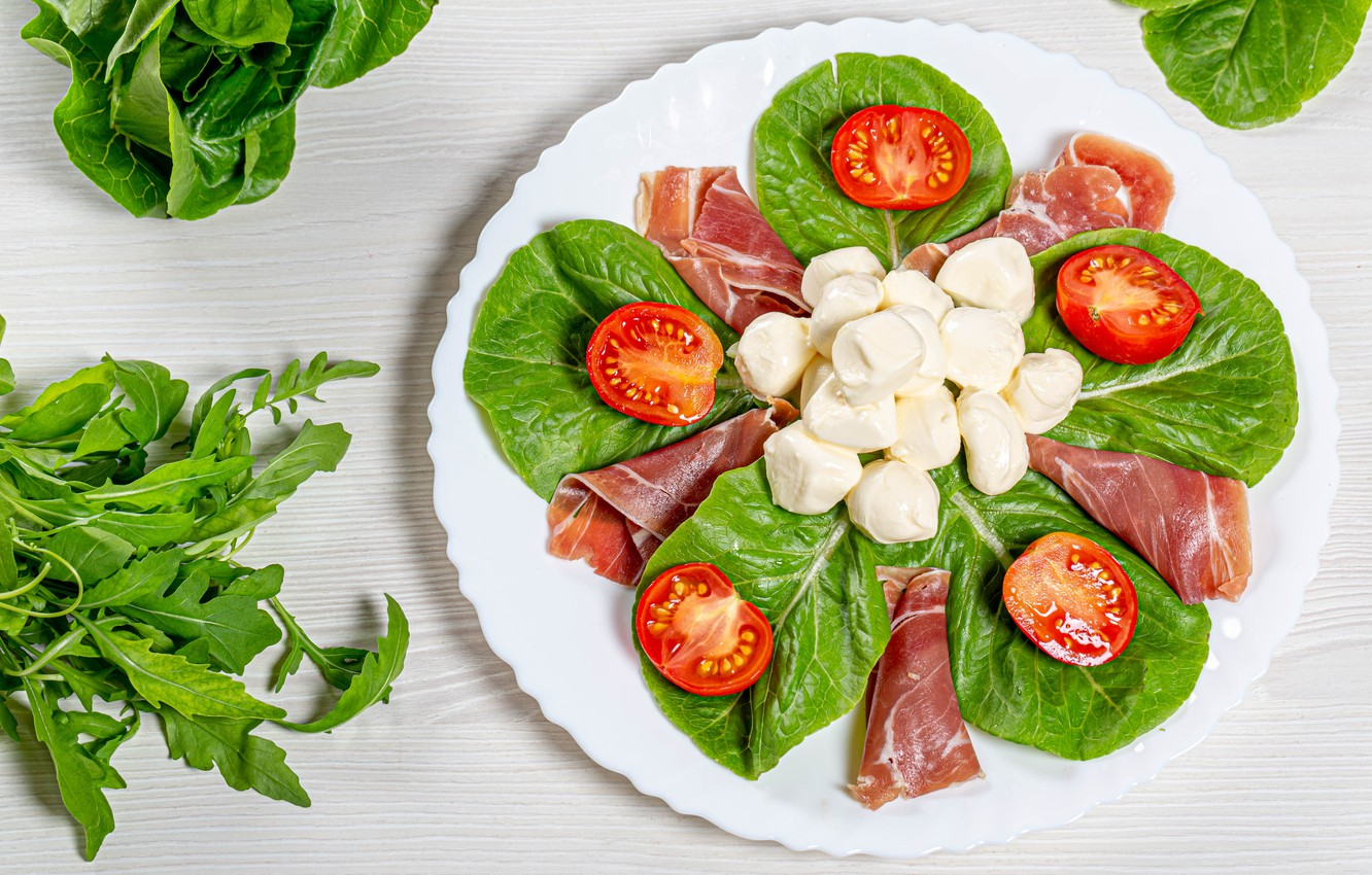 Photo wallpaper greens, cheese, plate, bacon, tomatoes
