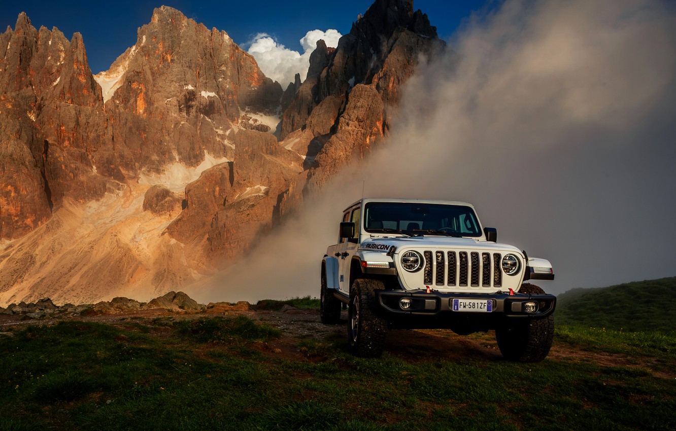 Photo wallpaper white, SUV, pickup, Gladiator, 4x4, Jeep, Rubicon, 2019, mountains in the background