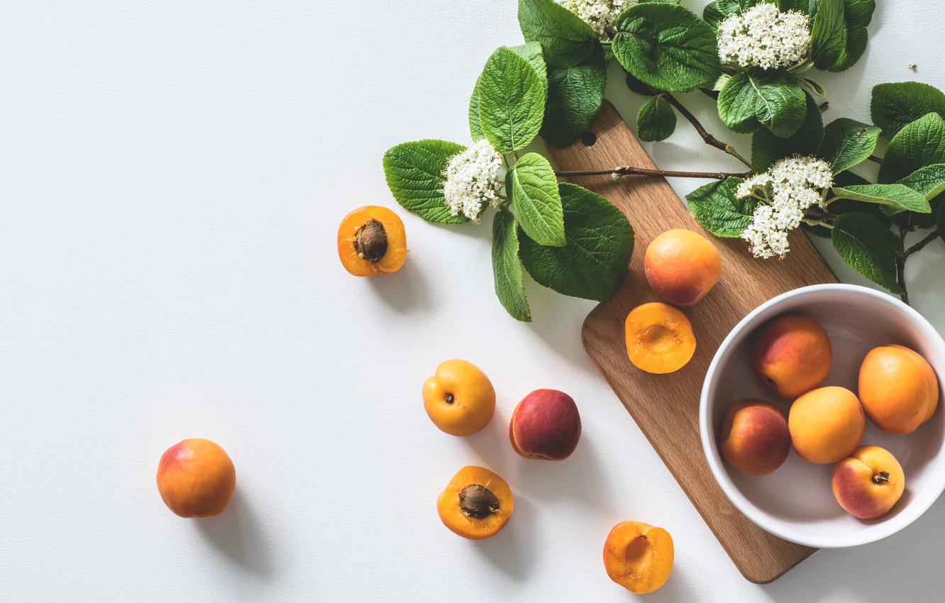 Photo wallpaper flowers, plate, fruit, apricots, cutting Board