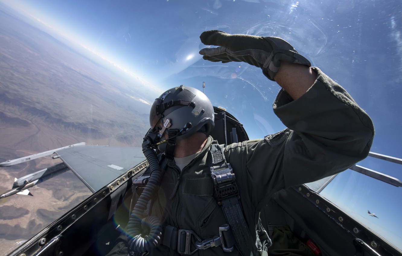 Photo wallpaper the sky, flight, mountains, wing, fighter, helmet, cabin, pilot, F-16, Fighting Falcon, General Dynamics, Sidewinder, …