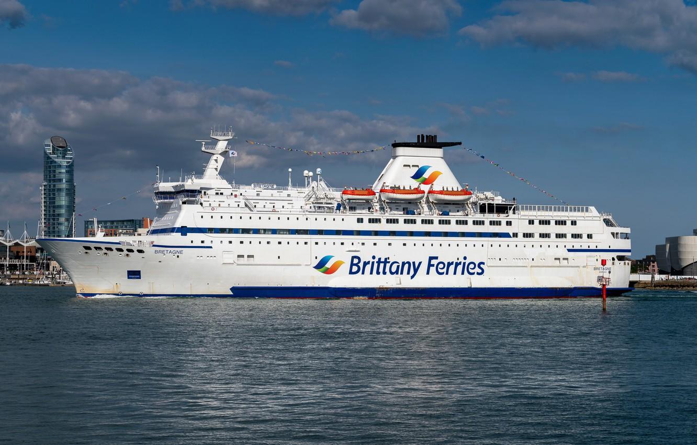 Photo wallpaper ferry, the ship, Brittany Ferries, MV Bretagne