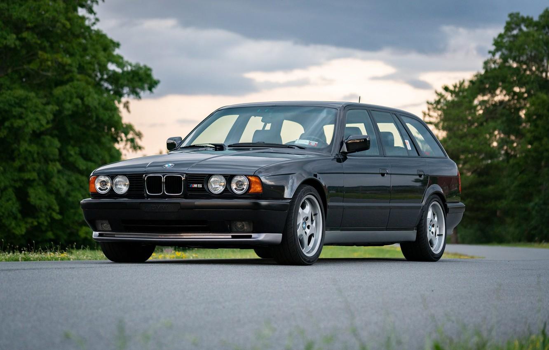 Photo wallpaper BMW, E34, Touring, M5
