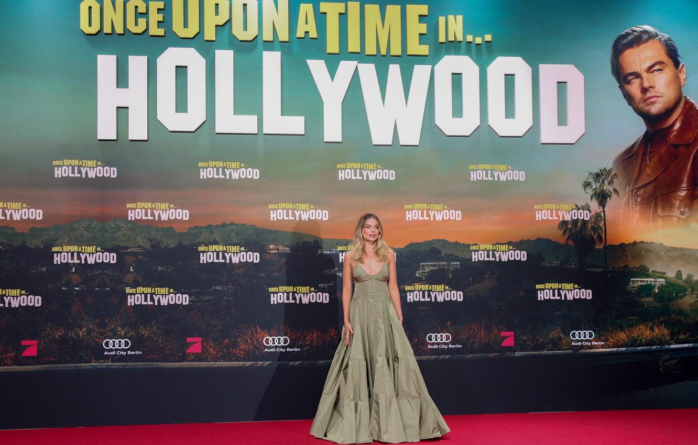 Photo wallpaper dress, celebrity, Margot Robbie, red carpet