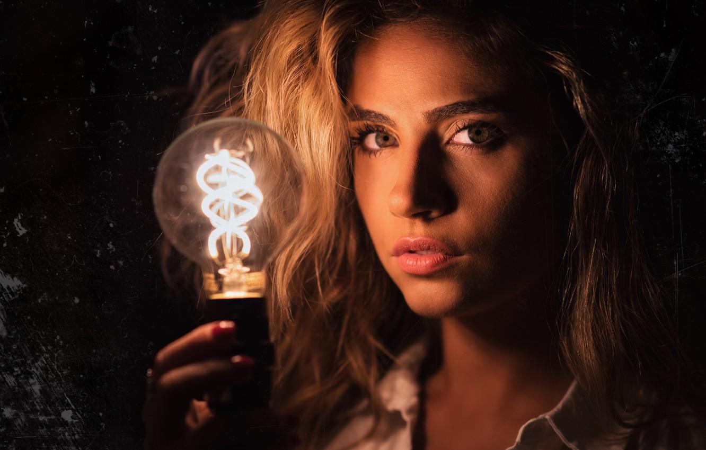 Photo wallpaper look, blonde, light bulb, Christopher Rankin