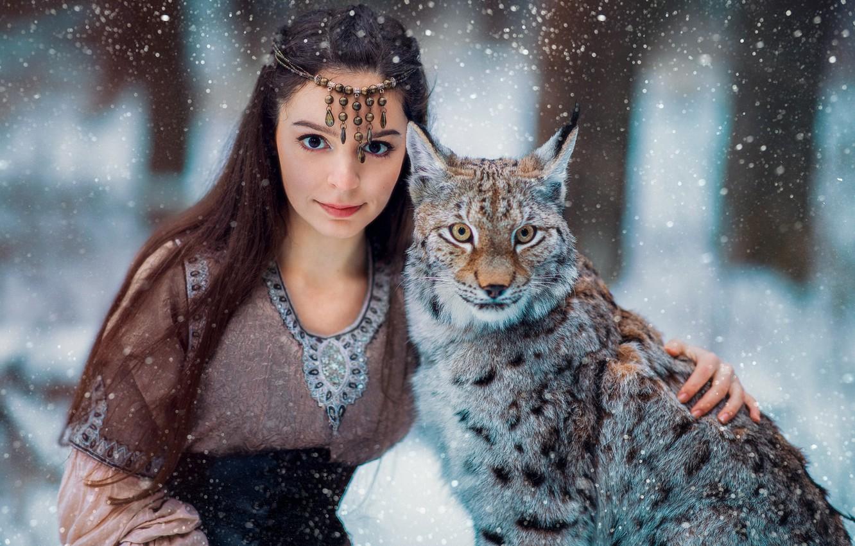Photo wallpaper look, girl, snow, face, lynx, friends, wild cat, long hair, Александра Савенкова