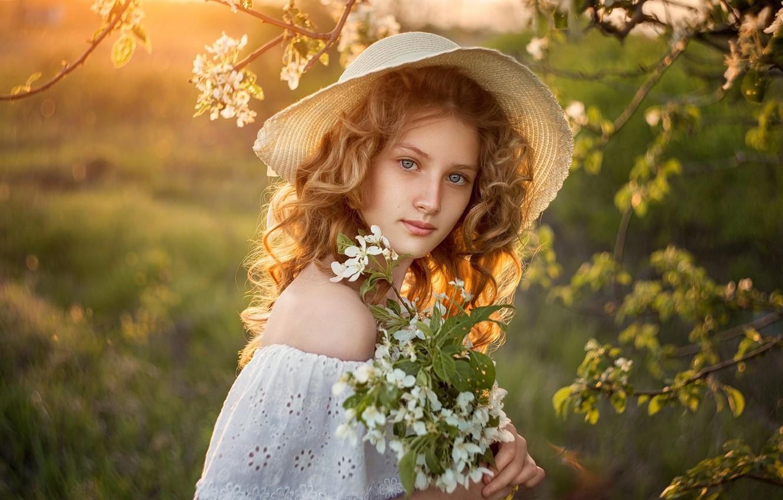 Photo wallpaper look, girl, nature, spring, hat, flowering