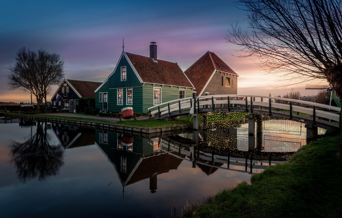 Photo wallpaper lights, house, the evening, flag, channel, Netherlands