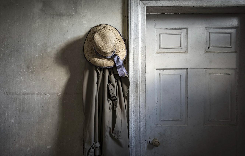 Photo wallpaper hat, the door, cloak, naturalism