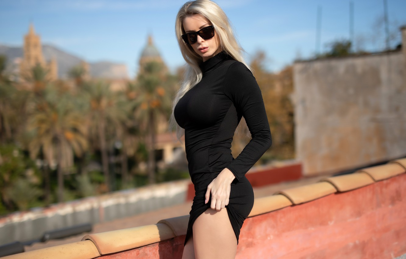 Photo wallpaper the sun, pose, model, portrait, makeup, figure, dress, glasses, hairstyle, blonde, legs, beauty, is, the …