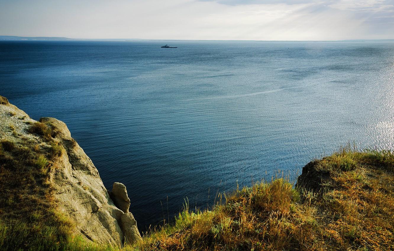 Photo wallpaper the sky, grass, the sun, river, stones, rocks, shore, ship, height, horizon, Russia, Volga, Saratov