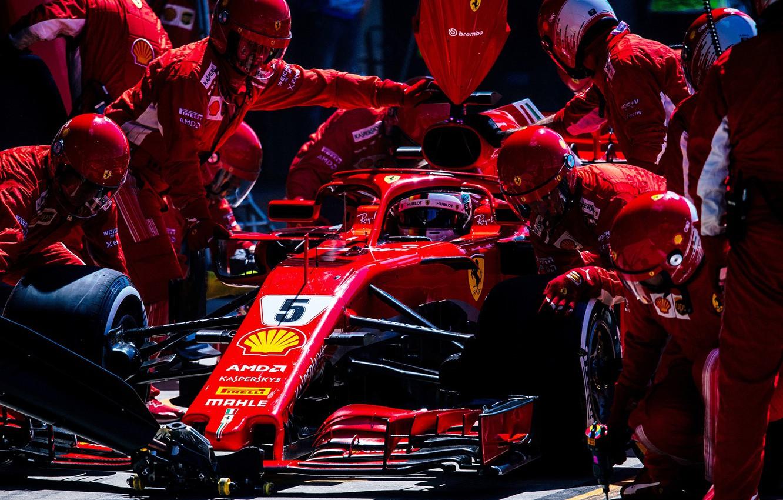 Photo wallpaper Ferrari, sport, Formula 1, race, men, Sebastian Vettel, pilot, mechanics, Pit stop, Ferrari SF71H