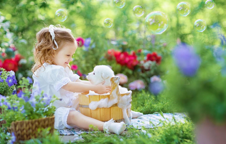 Photo wallpaper foam, joy, flowers, mood, bathing, bubbles, girl, puppy, the barrel, bokeh