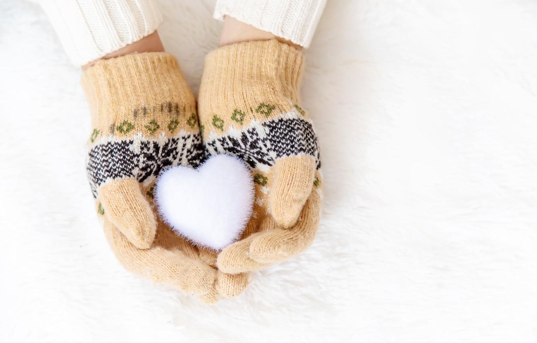 Photo wallpaper winter, snow, snowflakes, heart, love, heart, winter, mittens, snow, hands, snowflakes