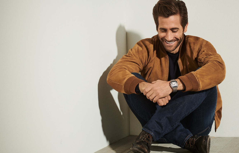Photo wallpaper smile, watch, Jake Gyllenhaal