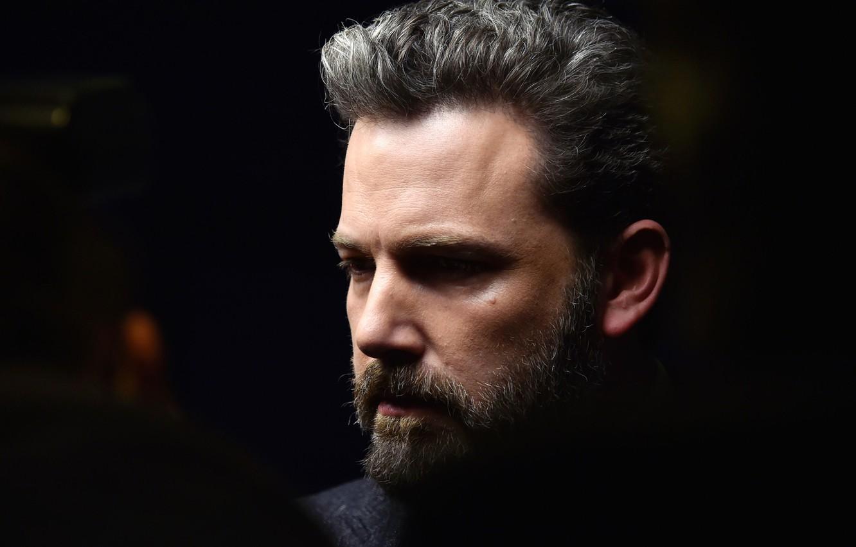 Photo wallpaper look, beard, actor, actor, Ben Affleck, view, producer, writer, filmmaker, beard, the dark background, Ben …