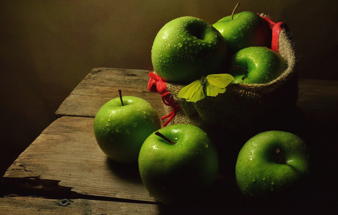 Photo wallpaper drops, the dark background, table, butterfly, apples, Board, food, green, fruit, still life, placer, bag