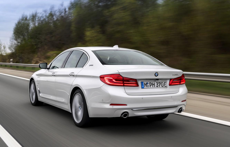 Photo wallpaper white, trees, movement, BMW, sedan, hybrid, 5, four-door, 2017, 5-series, G30, 530e iPerformance