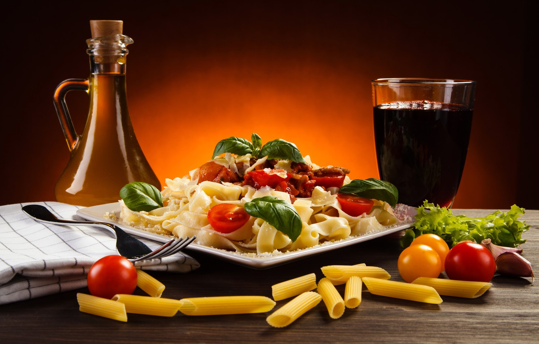 Photo wallpaper greens, table, pasta, tomatoes