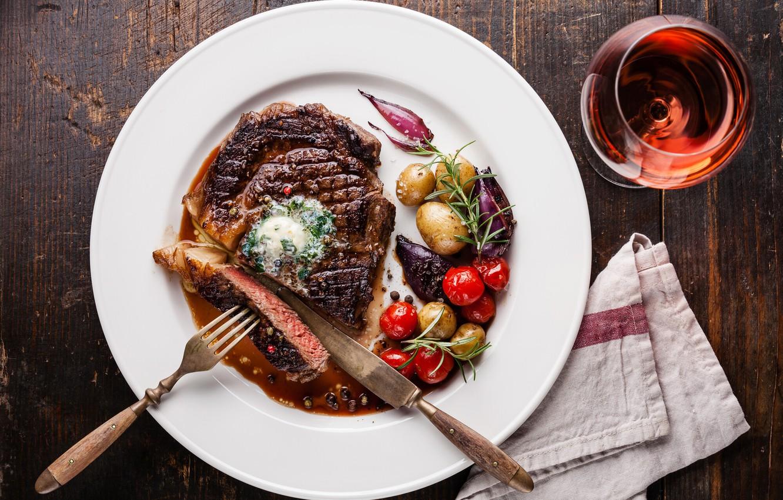 Photo wallpaper wine, meat, vegetables, potatoes, steak