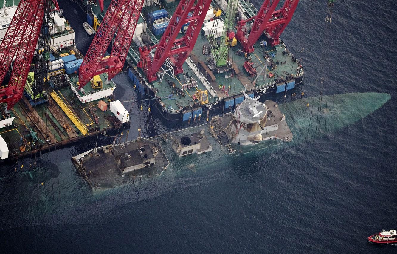 "Photo wallpaper Sea, Crane, Boat, Frigate, Shipwreck, Norwegian Navy, The frigates of the ""Fridtjof Nansen"", Helge Ingstad …"
