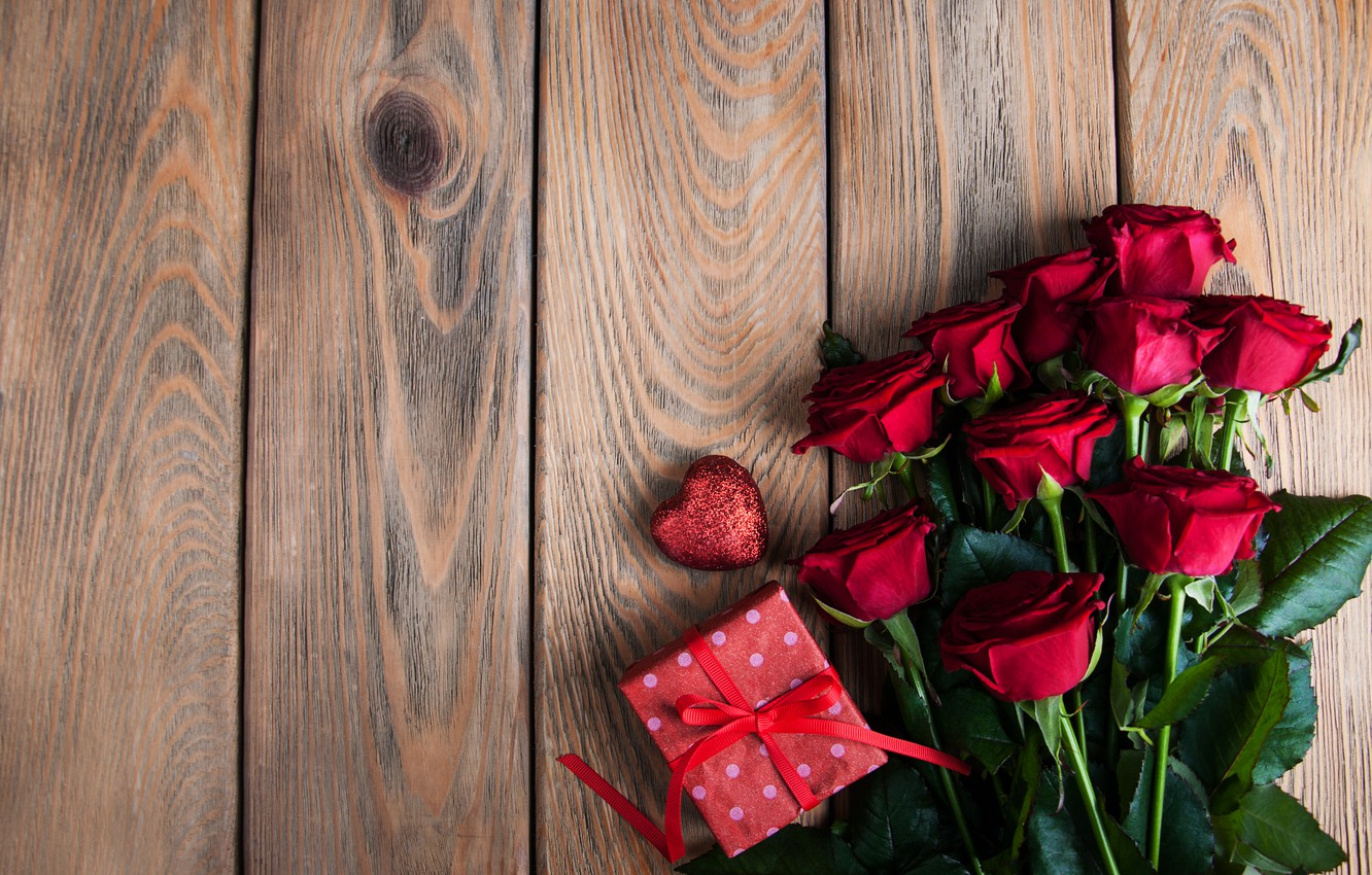 Photo wallpaper table, gift, roses, bouquet, red, wood