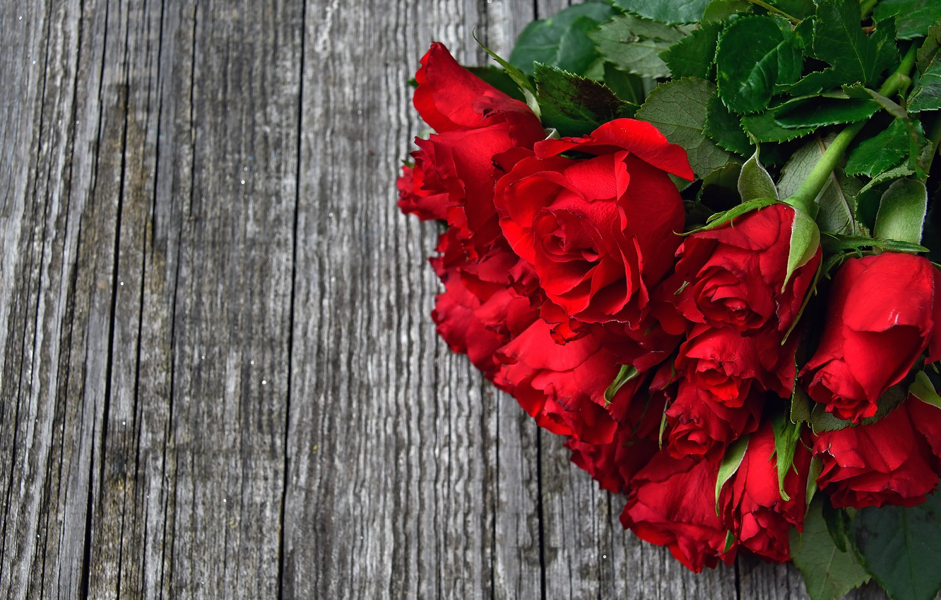 Photo wallpaper roses, bouquet, red, wood, roses, bouguet