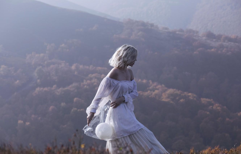 Photo wallpaper girl, mountains, pose, dress, Marta Syrka